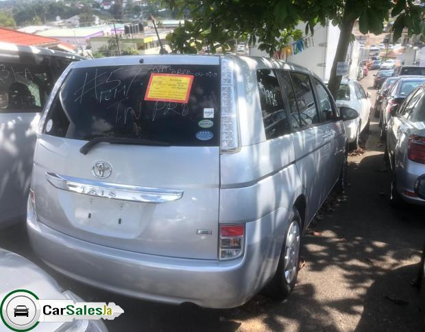 Cars for sale in Jamaica, Toyota ISIS Car for sale in Jamaica